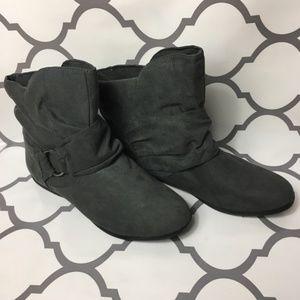 Rampage boho grey boots size 9
